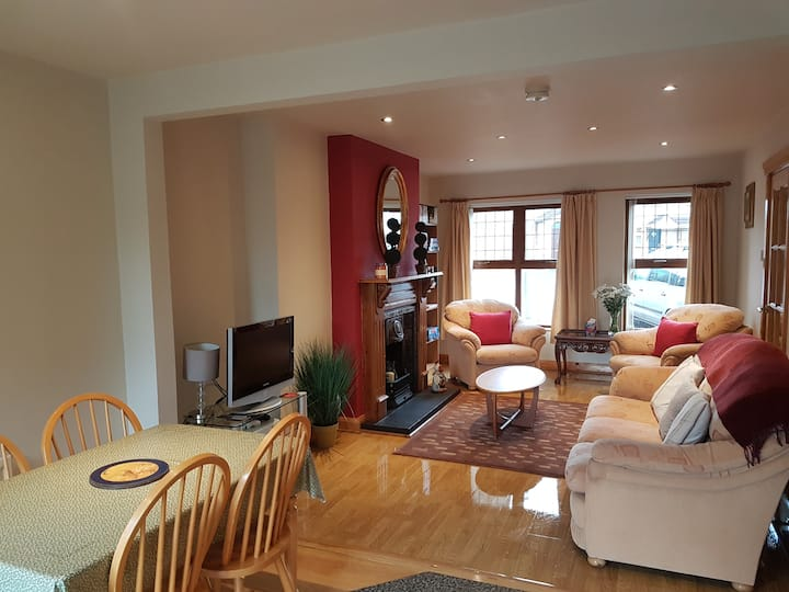 Portstewart 3 Bedroom Holiday Home - Homely & Warm