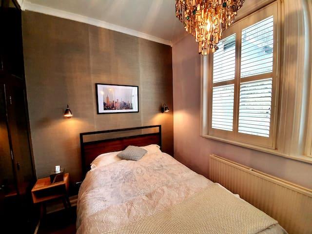 Bright Victorian apartment near Greenwich Park