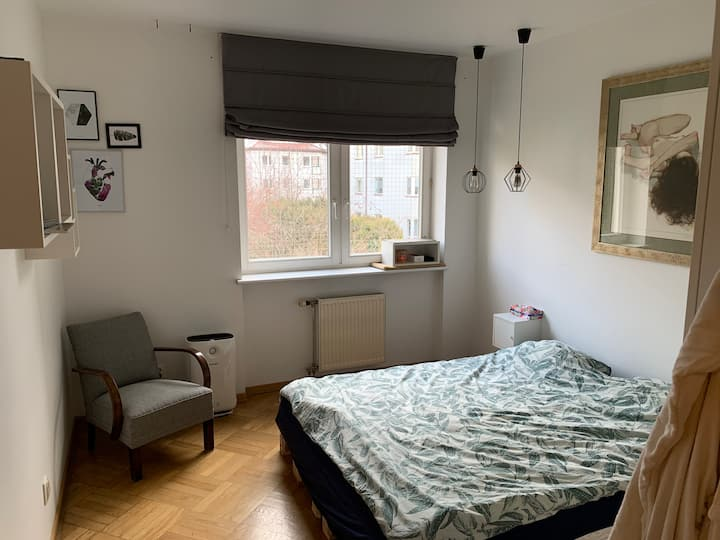 Private master  bedroom in cool flat in quiet area