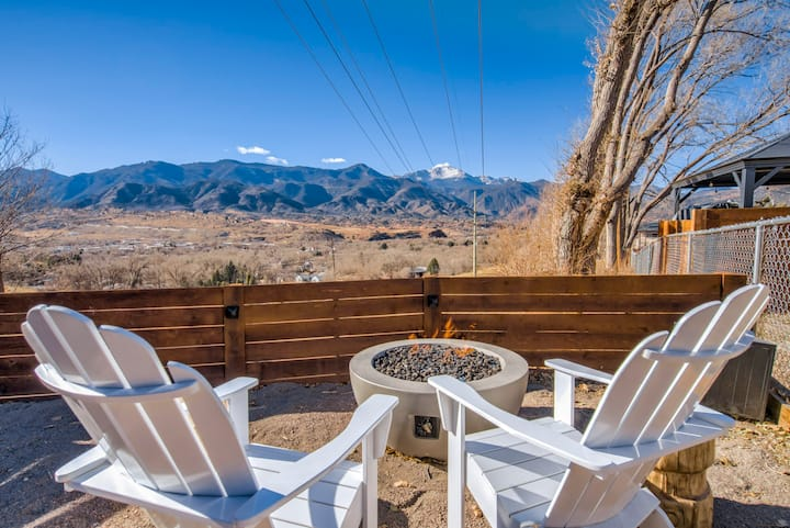 🌻VIEWS!🗻3min➡Garden of the Gods☀️HotTub🔥FirePit