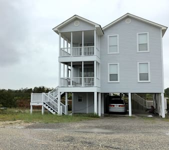 Newly renovated 3/3 beach view home