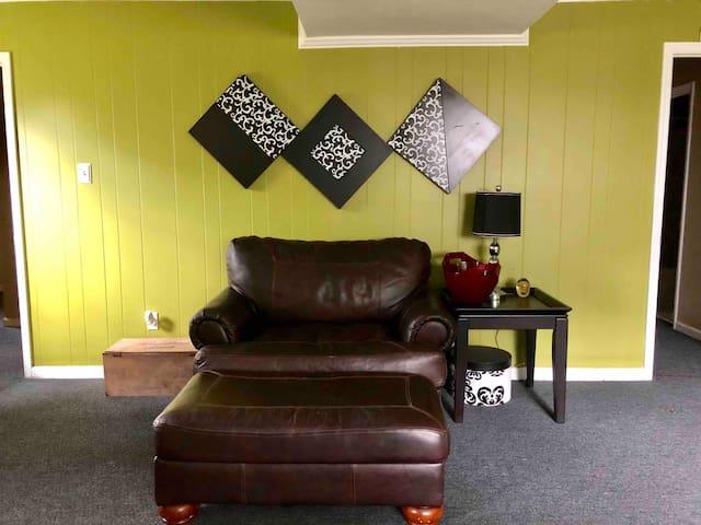 Simplicity: offering PRIVACY in north Macon