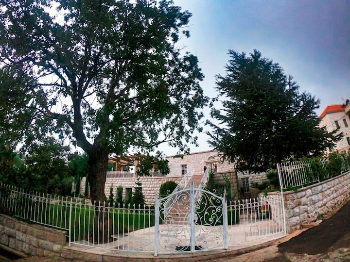 Villa | Spacious | Mtein | Bed&Breakfast