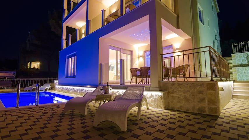 5 star elegant villa Magic EOS-CROATIA for 10 pax