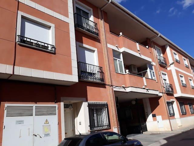 Apartartamento amplio céntrico con plaza de garaje