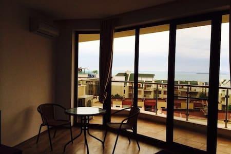 Квартира(Люкс) с видом на море и горы !!! - Sveti Vlas - Apartment