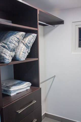 walking closet in the master room
