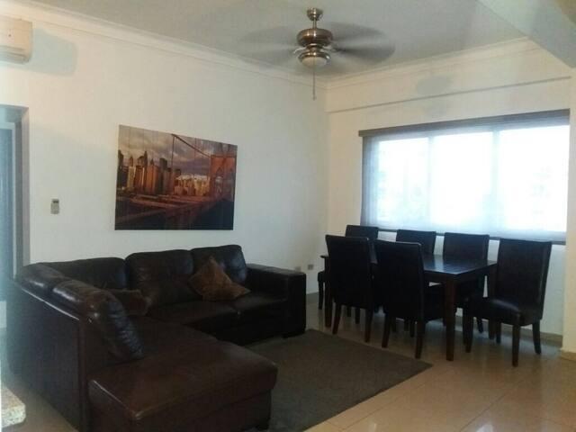 Cómodo apartamento céntrico y con hermosa vista