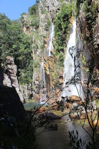Quarto ao lado da Cachoeira da Parida.