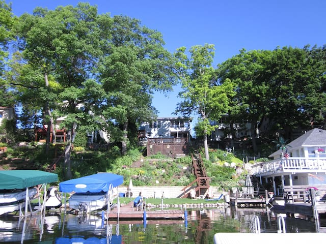 Enjoy Lake Living only 10 miles from Erin Hills - Hartland - Casa
