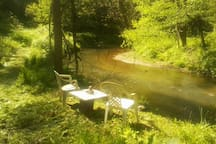 short hiking trail down to a private and peaceful creek side spot