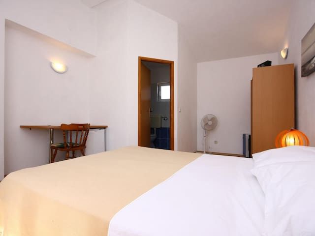 One bedroom A1 / Standard double room S4 - Rogoznica
