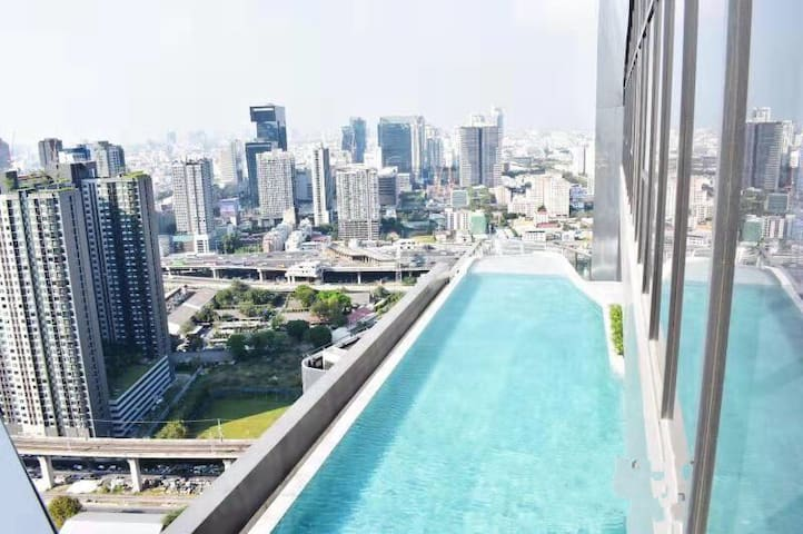 【全新高档小区】顶楼无边泳池near ARL/MRT 真实照片