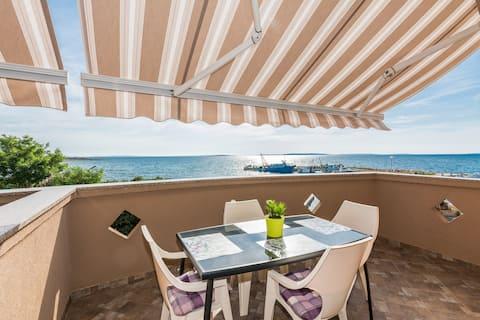 Appartement En front de mer, avec deux chambres à coucher, à Pag - île de Pag, Le balcon