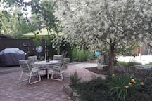 Outdoor Dining &Barbeque