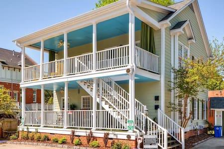 Attractive 2BR Greensboro Condo - Greensboro - Condominium
