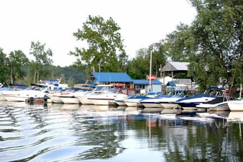 Saugerties Marina Peaceful Setting On the Water