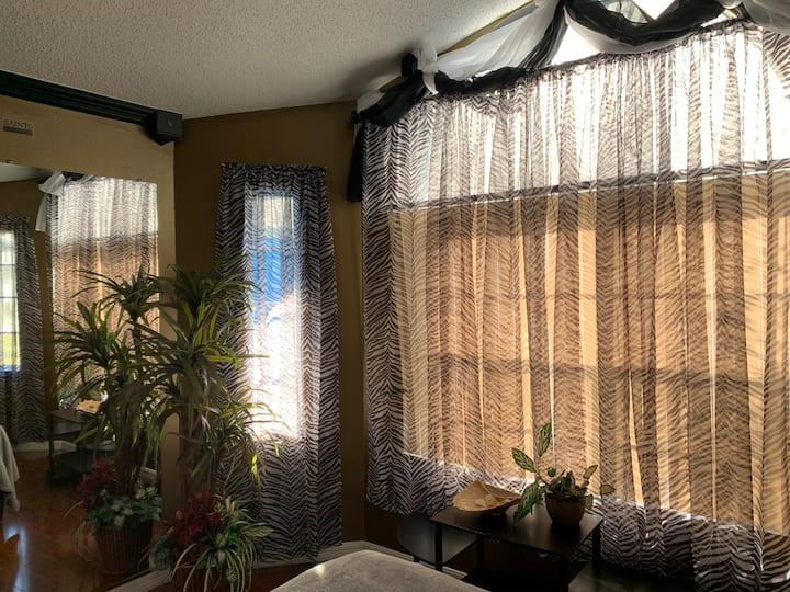 Cozy bedroom in S Daytona