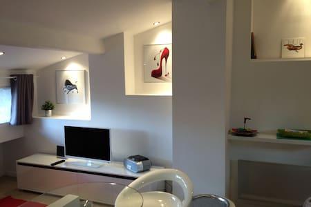 studio idéalement situé - Leilighet