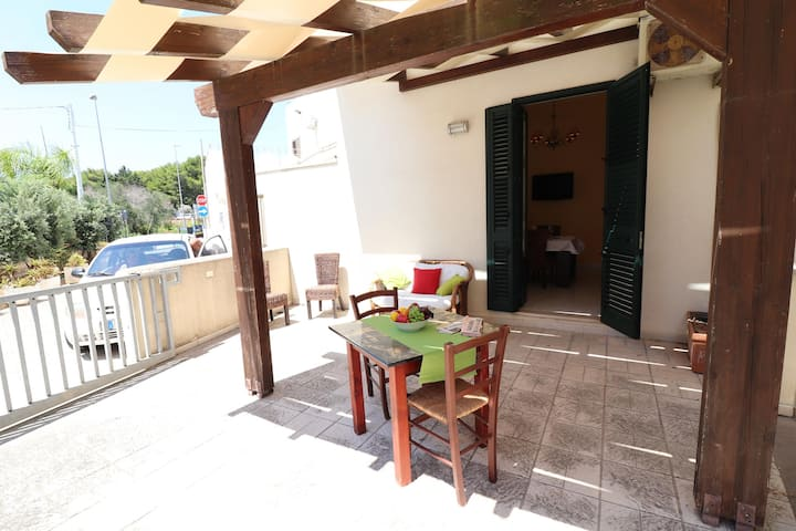 "Cozy Apartment ""Casa Clara a Otranto"" close to the Beach with Wi-Fi, A/C & Terrace; Parking Available"