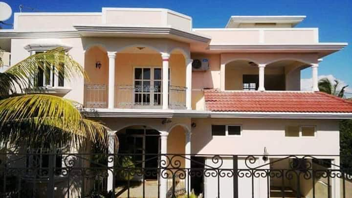 House with 3 bedrooms in Grand Baie, with furnished terrace and WiFi - 300 m from the beach