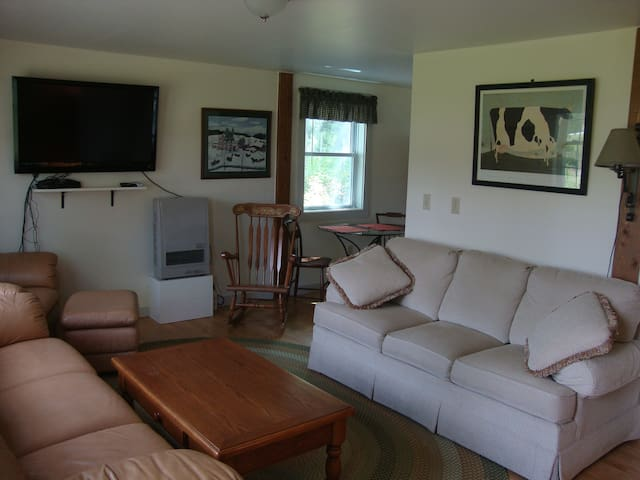 The Carriage House At The Nye Farm - Jeffersonville - Apartment