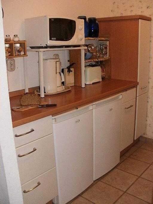 Fully equipt Kitchen/ Voll ausgestattete Kueche