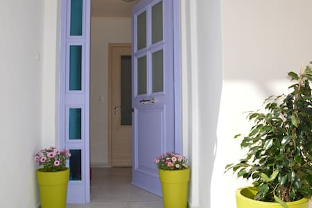 Apartment close to New Marina and Old Town