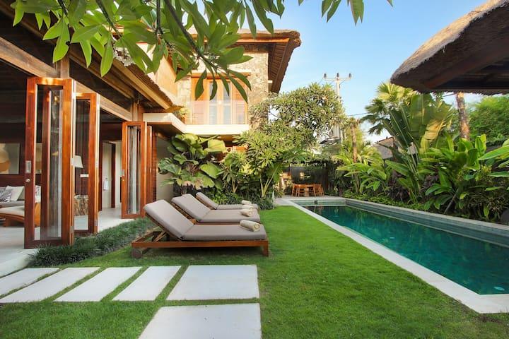 Villa Suar 3  Luxury 3 Bedroom Pool Villa  Villas for Rent in Kuta, Bali, Indonesia