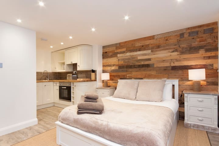 """High Tide"" luxury studio apartment - Salcombe - Byt"