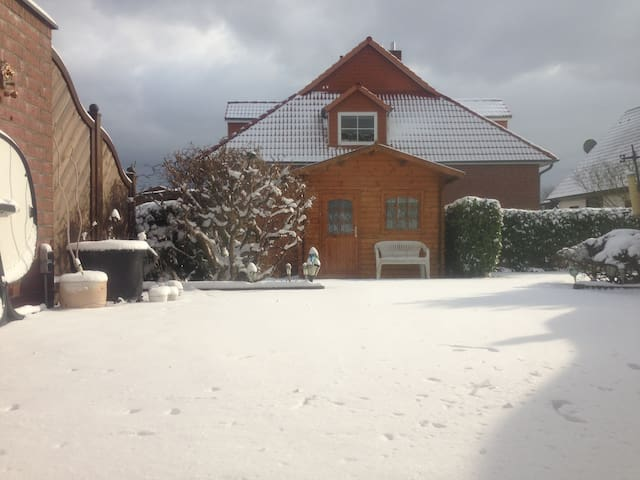 Cozy 2BD in a very quiet area - Neu Wulmstorf - House