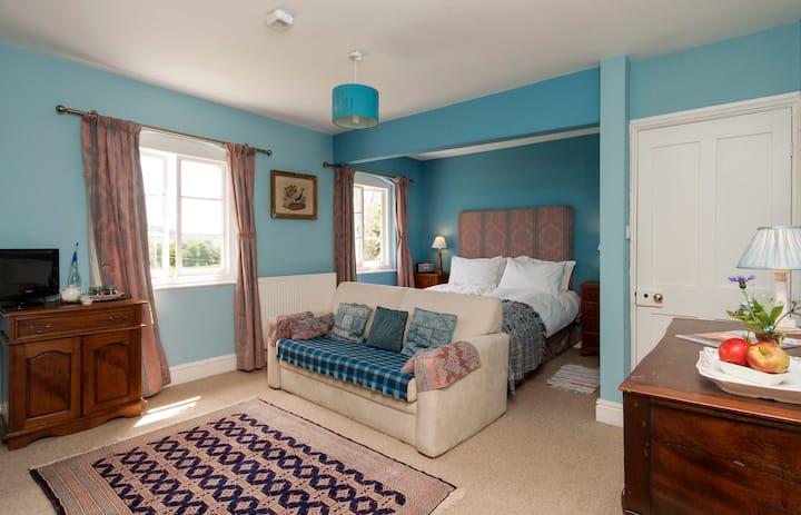 Lower Buckton country B&B nr Ludlow (Blue Room)