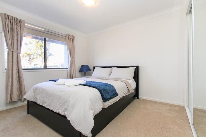 Cosy & Convenient 2 Bedroom Apartment