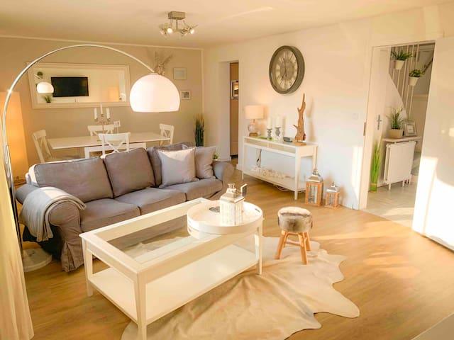 Haus vollmöbliert, zentral und ruhig in Leverkusen