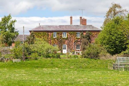 Lower Buckton country B&B nr Ludlow - Leintwardine