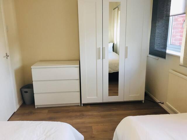 Bedroom 2 -twin beds