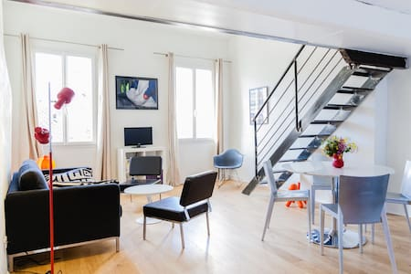 Old town Bright and Spacious flat  2 bedrooms 65m²