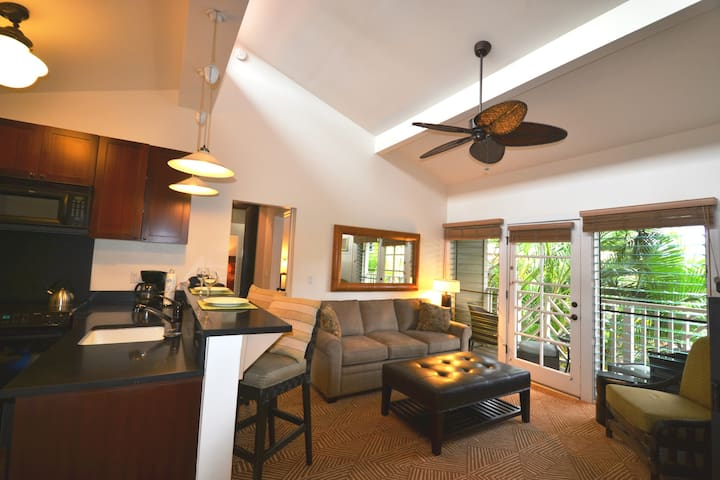 2 bedroom\2 bath Condo in Lahaina