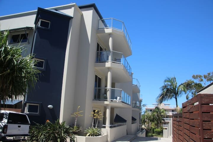 Private Luxury Apartment @ Coolum Beach - Coolum Beach - Lejlighed