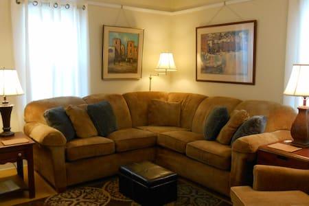 East River Astor Apartment - Green Bay - Lakás