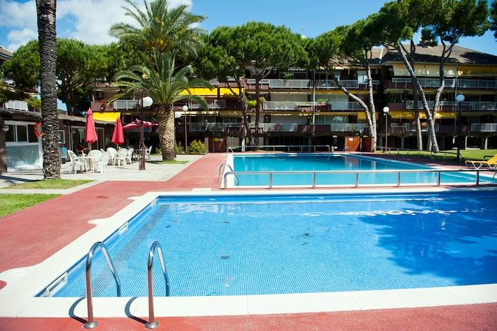 9pax Barcelona plage, tenis,piscine