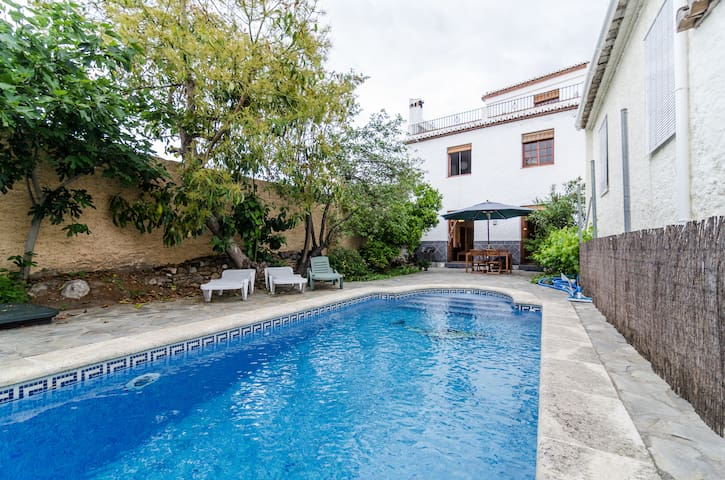Charming House with Pool nr Granada/Costa Tropical