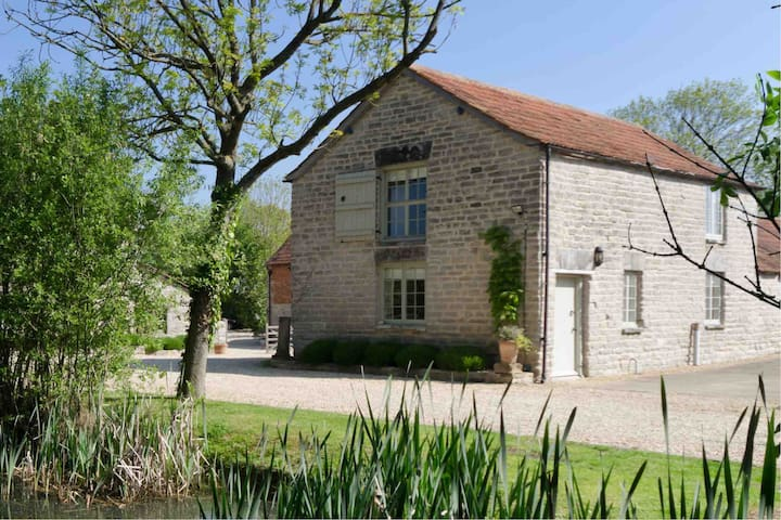 Long Let available: Medieval Farm, Glastonbury Tor