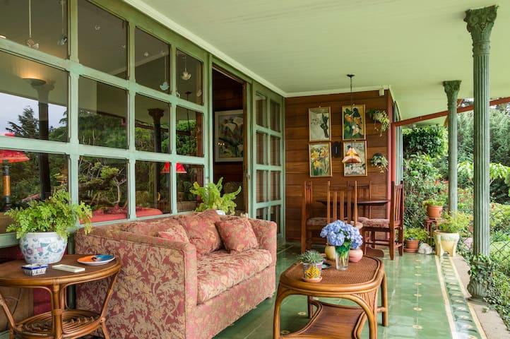Casa del Lago, cozy farm house - San Isidro - House