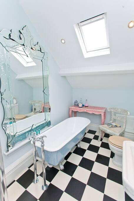 Ravishing roll top baths