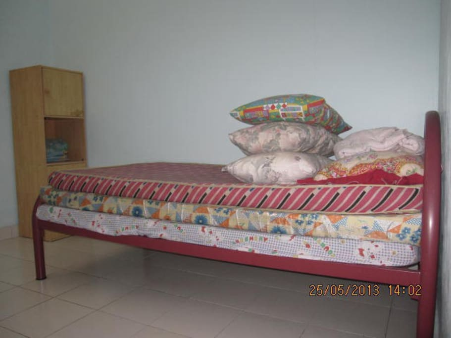Bedroom in first floor which can sleeps 4 persons. Free WIFI available in the room.