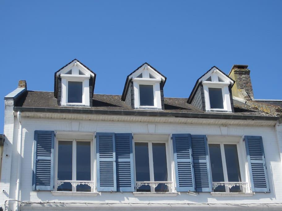 Atypique et cosy vue sur la baie appartements louer for Etant a linge exterieur