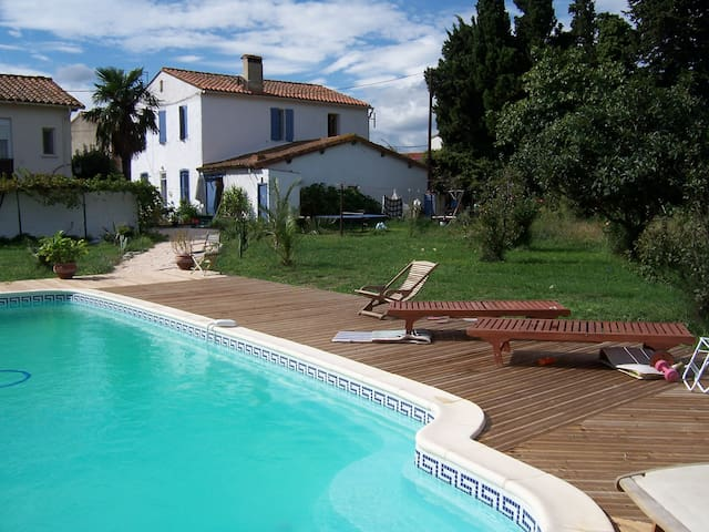 La Palme-close to beach/mountains - Bages - Bed & Breakfast