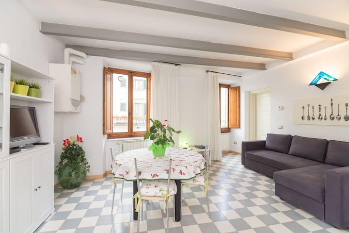 Duomo Apartment - Tuscan experience - Prato - Leilighet