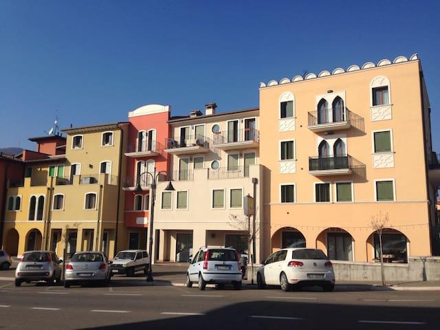 Accogliente nuovo appartamento - Montecchia di Crosara - Apartamento